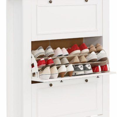 Sosnowa szafka na buty w pięknym, nowoczesnym stylu