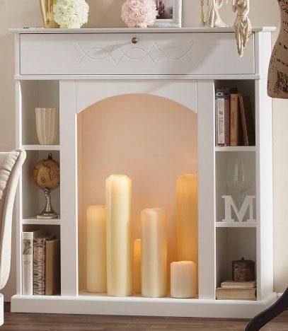 Biała konsola kominkowa z półkami i szufladą