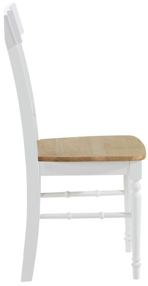 Piękne, ponadczasowe krzesła z drewna sosnowego