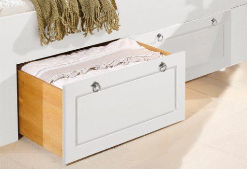 Dwie sosnowe szuflady pod łóżko, fronty białe