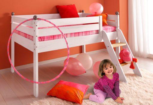 Wysokie łóżko dziecięce z litej sosny z drabinką