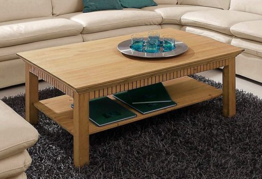 Niezwykle praktyczny, sosnowy stolik