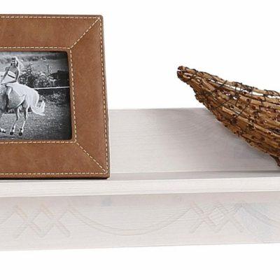 Sosnowa półka w kolorze białym, z frezowaniem