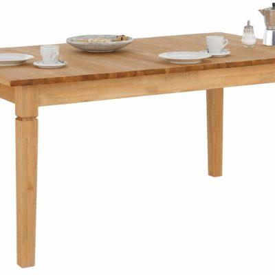 Sosnowy, rozkładany stół w rustykalnym stylu