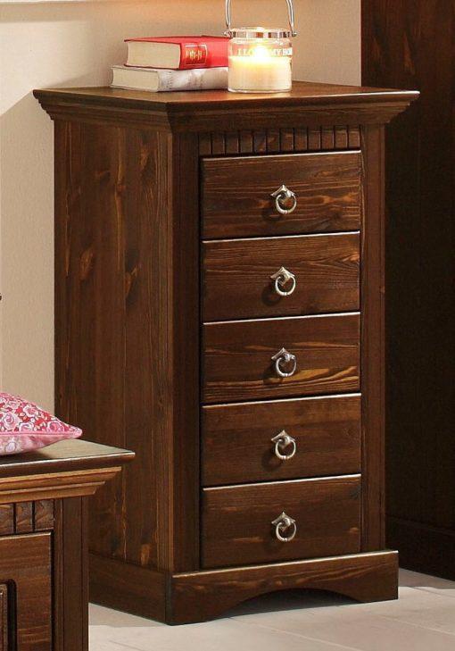 Zgrabna, sosnowa komoda w stylu rustykalnym