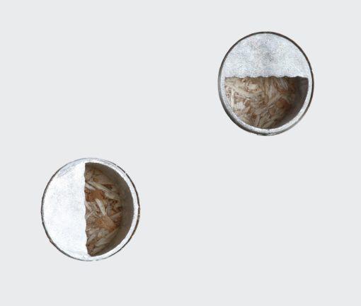 Lustro ścienne w białej ramie