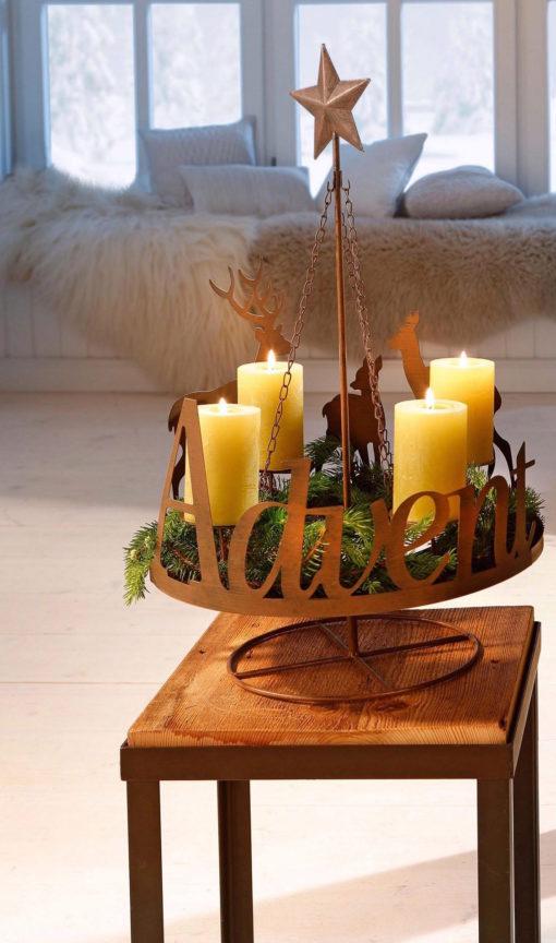 Piękny świecznik adwentowy z miejscem na zieloną jodłę