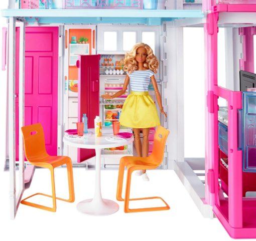 Niesamowicie wyposażony domek dla lalek Barbie