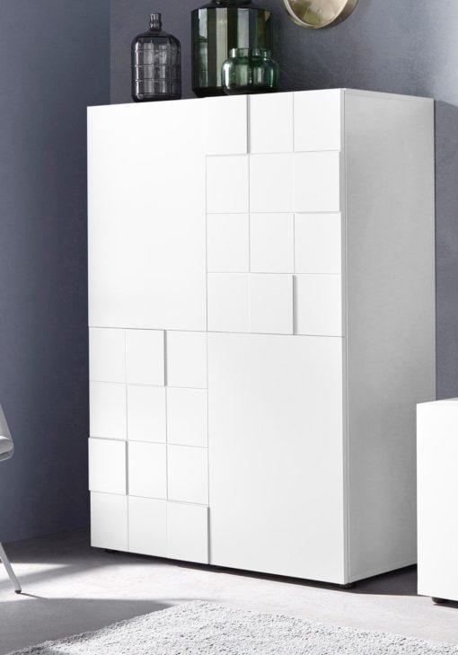 Niesamowicie piękna komoda o nowoczesnym wyglądzie, biała