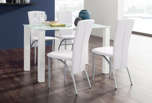 Futurystyczne, białe krzesła z metalową ramą