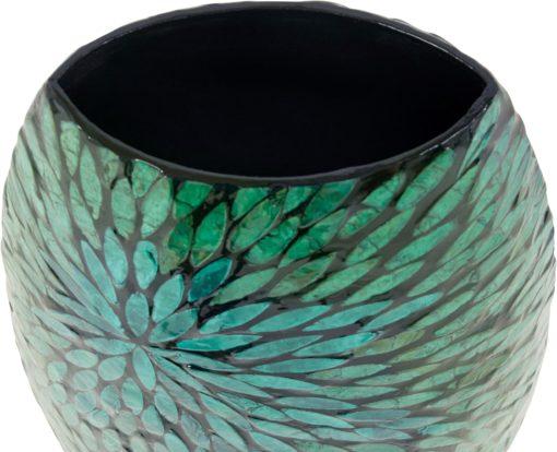 Piękny wazon w orientalnym stylu i wzorem muszli