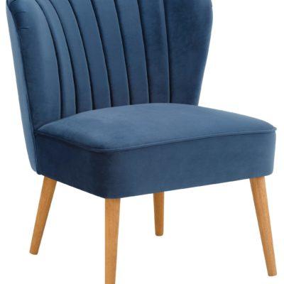 Stylowy tapicerowany fotel w klasycznym stylu