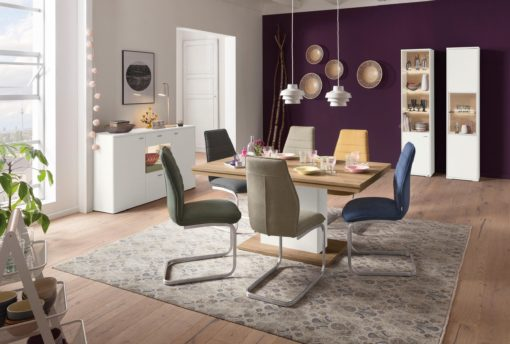 Ponadczasowe krzesła na płozach- 2 sztuki, piaskowe