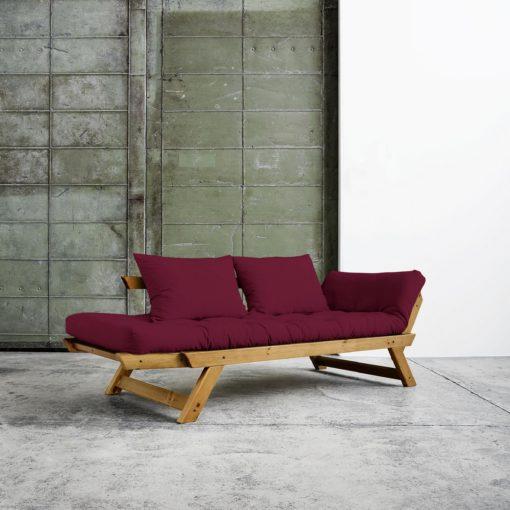 Piękna sofa w azjatyckim stylu z możliwością rozłożenia do spania