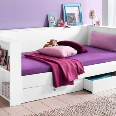 Funkcjonalne łóżko z półkami i szufladami