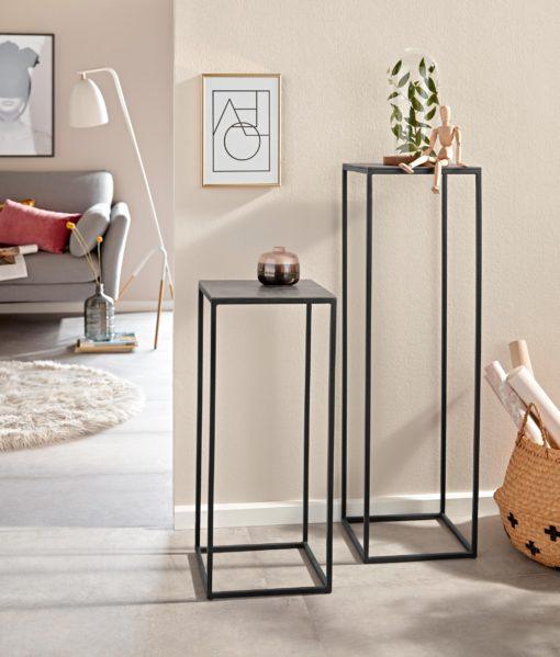 Stylowy stolik na metalowej ramie