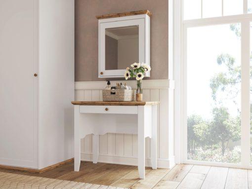 Cudowny stolik do wykorzystania jako toaletka