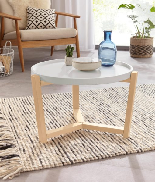 Stolik kawowy o ciekawym kształcie