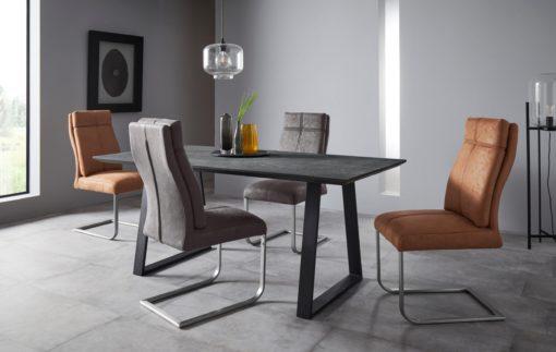 Niezwykle wygodne krzesła na płozach - 4 sztuki