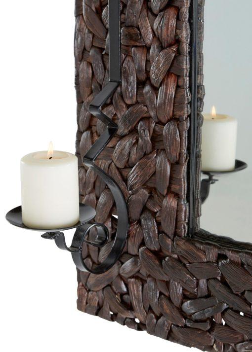 Lustro z ramą z hiacyntu wodnego i świecznikami