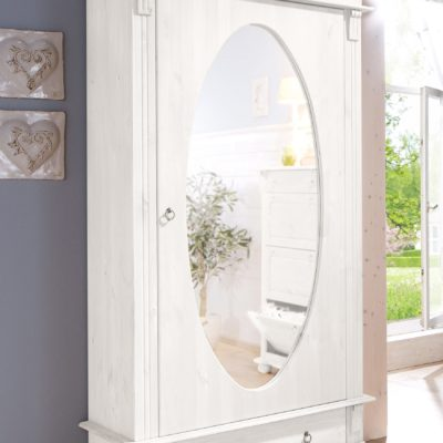 Sosnowa szafa z lustrem, w stylu rustykalnym