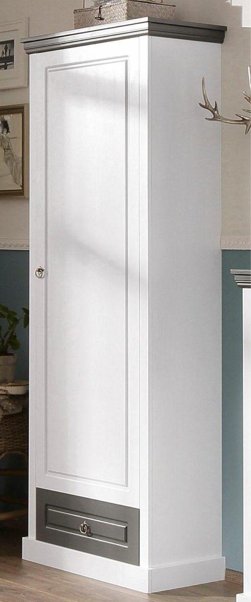 Sosnowa szafa idealna do stylowych wnętrz