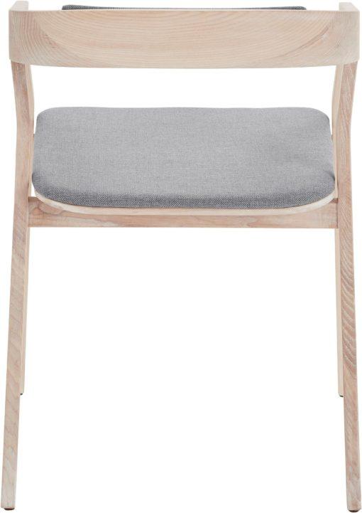 Krzesło / fotel w nowoczesnym, skandynawskim stylu