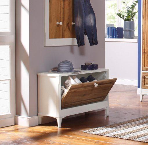 Zgrabna ławka na buty idealna do strefy wejściowej