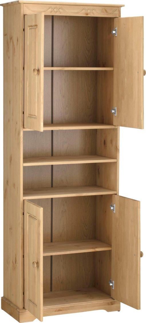 Wysoka szafka z drewna sosnowego, duża ilość miejsca