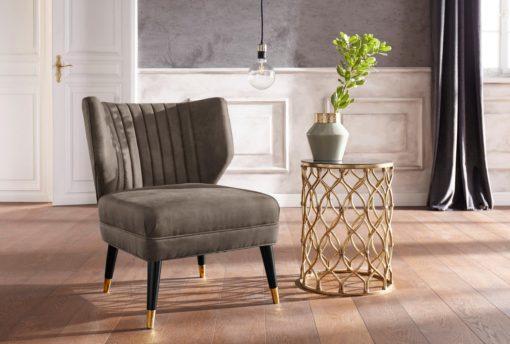 Elegancki fotel o wyglądzie zamszu, szaro-brązowy