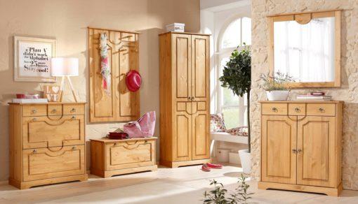 Sosnowa komoda w rustykalnym stylu, drewno olejowane