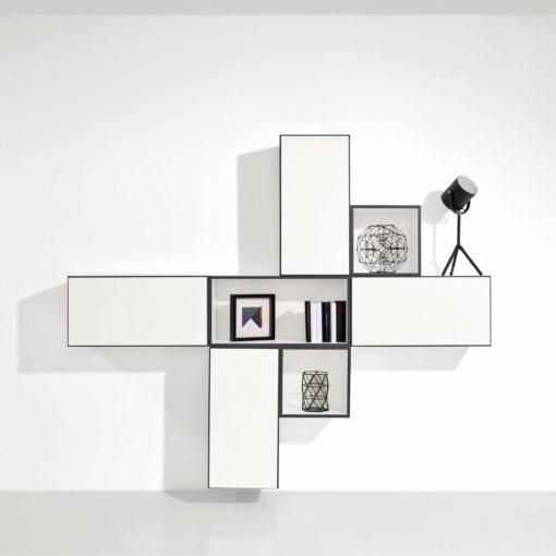 Półka/ regał na ścianę w kolorze białym