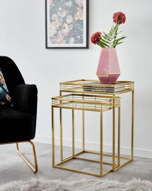 Dwa złote stoliki z lustrzanymi blatami, glamour