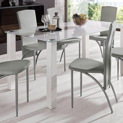 Zestaw do jadalni: szklany stół, biały i 4 szare krzesła