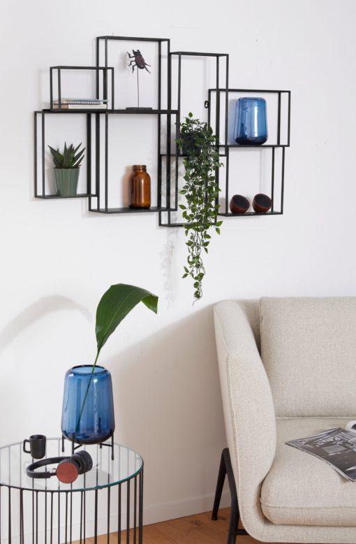 Metalowe półki na ścianę, w stylu industrialnym