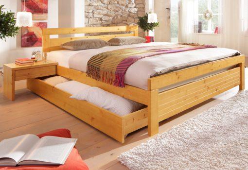 Klasyczne, sosnowe łóżko 140x200 cm, miodowe