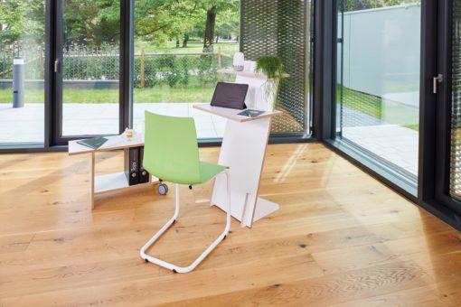 Stojak, biurko lub regał idealny do małych przestrzeni
