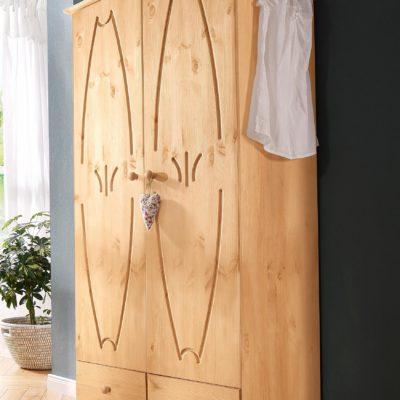 Dwudrzwiowa wyjątkowo zdobiona szafa z drewna sosnowego