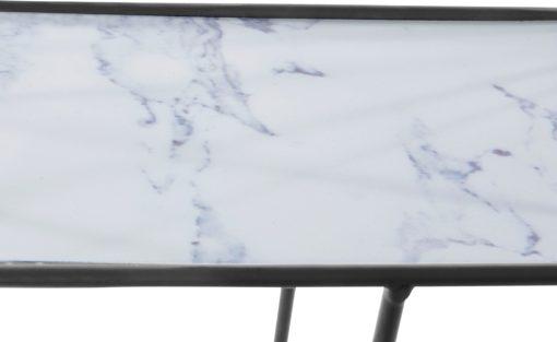 Półka ścienna z półkami o wyglądzie marmuru, styl nordycki