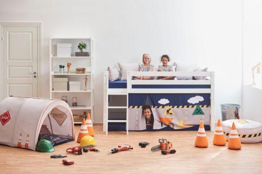 Łózko dziecięce sosnowe ze stelażem, materacem i zasłonkami