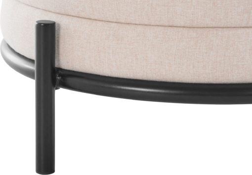 Beżowy puff na metalowej ramie, styl nowoczesny, skandynawski