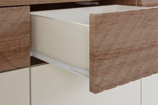 Kredens Greta z pięknymi frezowaniami na frontach szuflad