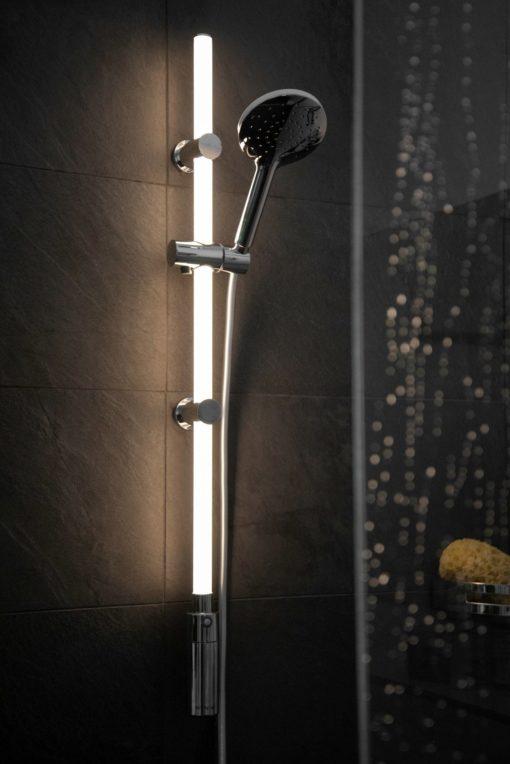 Drążek prysznicowy ze zintegrowanym oświetleniem LED