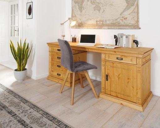 Sosnowe pięknie zdobione biurko z szufladami i schowkiem