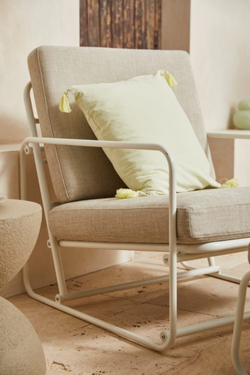 Fotel wypoczynkowy kremowo-szary z metalową ramą, skandynawski