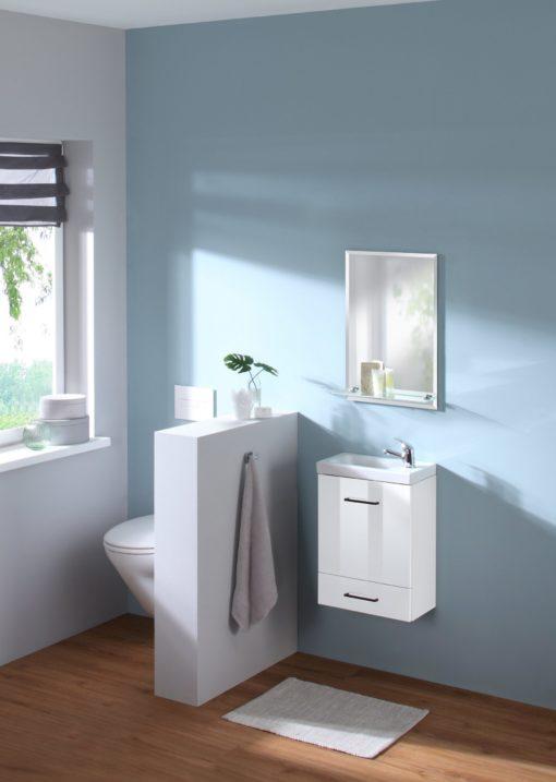 Lustro łazienkowe ze szklaną półką i szlifem fasetowym