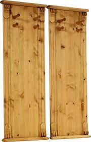 Dwa sosnowe wieszaki w kolorze miodowym, rustykalne