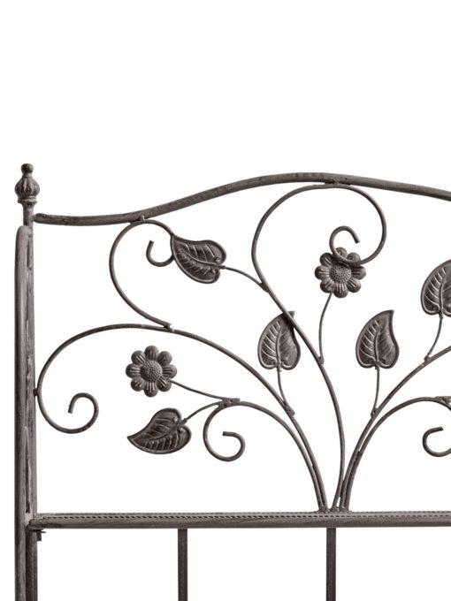 Metalowy składany regał stylizowany na stary mebel