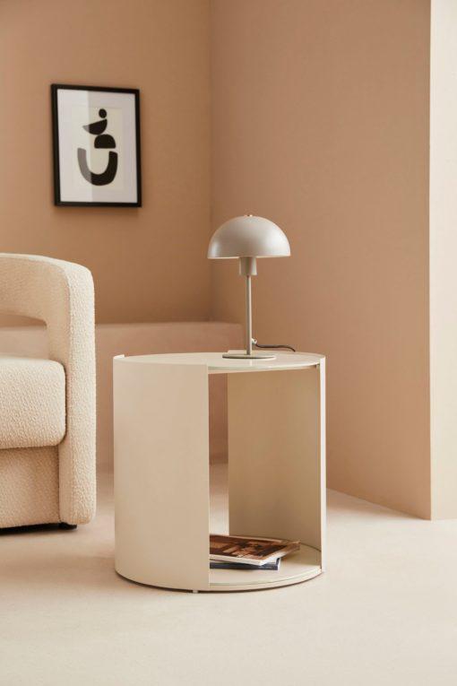 Okrągły kremowy stolik, nowoczesny design, metalowy